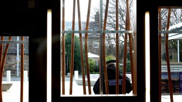 window001
