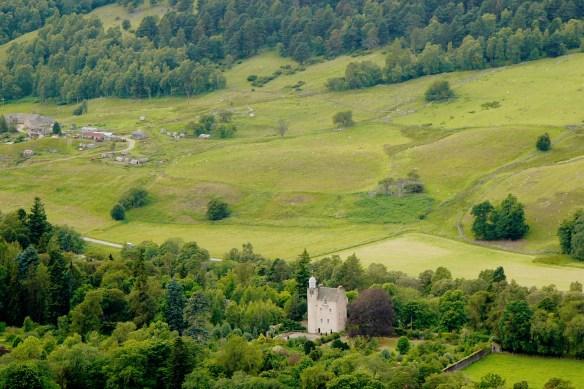 abergeldie-castle-towards-the-micras