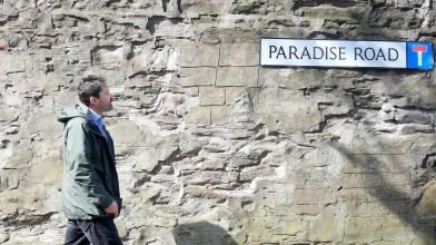 Peter at Paradise Road, Dundee 1 May 2018.bmp