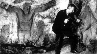 tommy hawkings rock carvings, blantyre priory (1)
