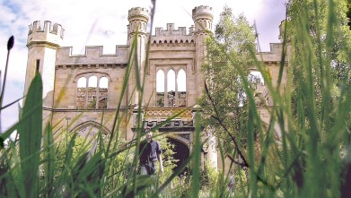 The incomparable Crawford Priory - May 2004 crazy