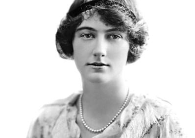 Lady-Dorothy-Evelyn-Macmillan-ne-Cavendish_(retouched_greyscale)