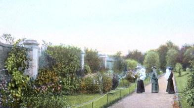The Gardens Rouken Glen - postcard to Nettie Georgeson [1]