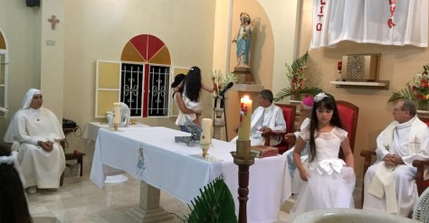 ante la Virgen