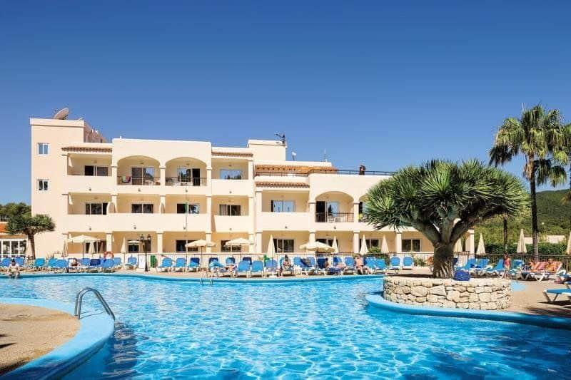1Woche Ibiza im top bewerteten 4Sterne Hotel, inkl. Flug ab Zürich und HP ab 575 p.Pers.