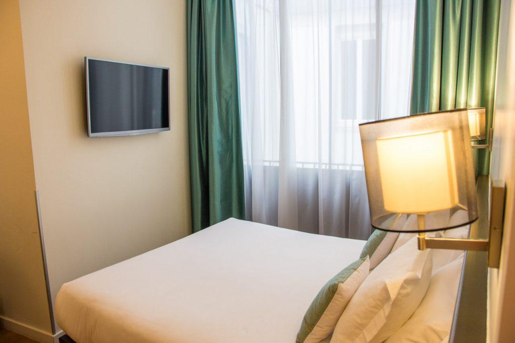 Hotel Albert Premier Toulouse bedroom