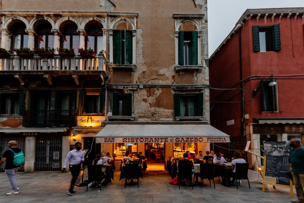 great places to eat in Venice - a restaurant in Cannareggio