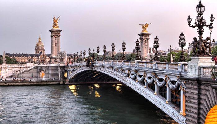 5-Darwish-Holidays-Swiss-Paris-Delight-Alexander-Bridge