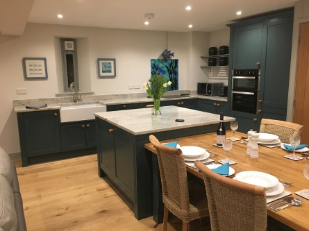 Holiday Cottage Relaxed Dining