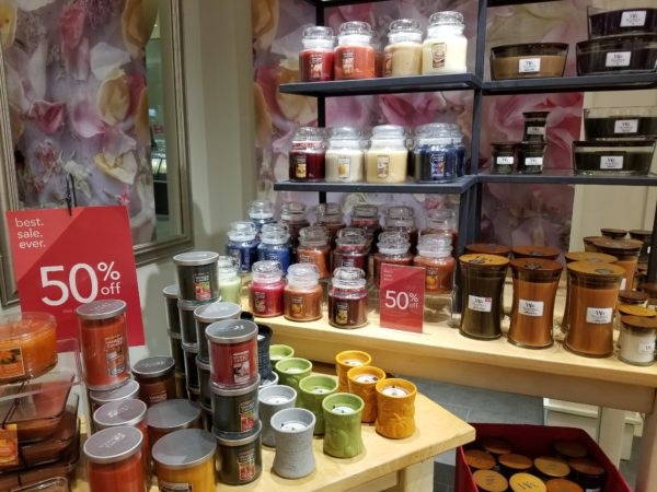 Yankee Candle Holiday Scents 50% off – in stores and online