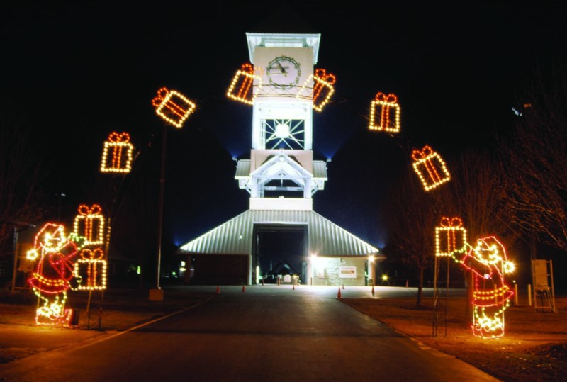 Giant Christmas Ornaments Outdoor