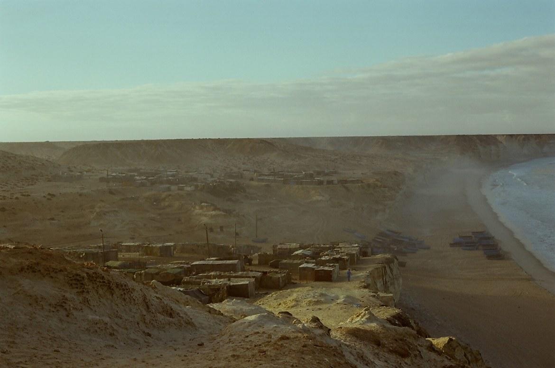 western-sahara-shanty-cliffs
