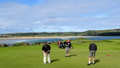 Dunfanaghy Golf Club is just a few hundred metres from the holiday home