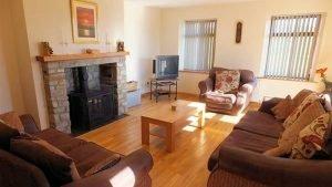 Horn Head Lodge - living room