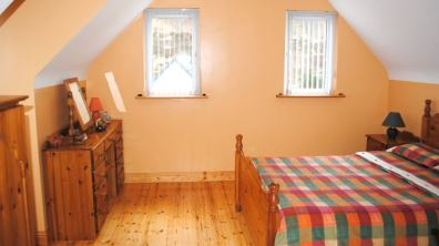 Haven Cottage Dunfanaghy - upper floor bedroom