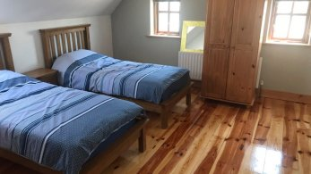 twin bedroom of 16 Patrick's Hill Dunfanaghy