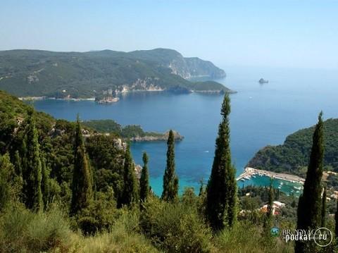 Отдых на островах Греции, остров Корфу утопает в зелени