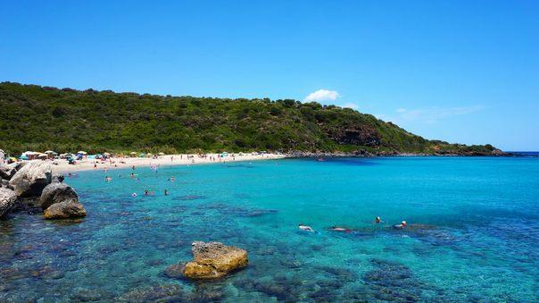 Отдых на острове Сардиния - залив Орозеи