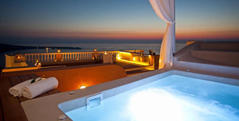 Отдых на острове Санторини-закат с балкона виллы