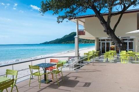 отдых на Сейшельских островах, пляж Бо Валлон (Beau Vallon), небольшое кафе