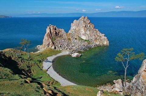 Отдых на острове Ольхон - мыс Бурха́н