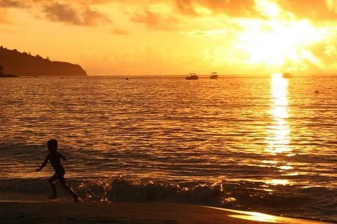 отдых на Сейшельских островах, пляж Бо Валлон (Beau Vallon) - очаровательные закаты