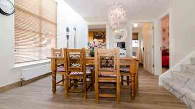 Clearwaters11 - dining area