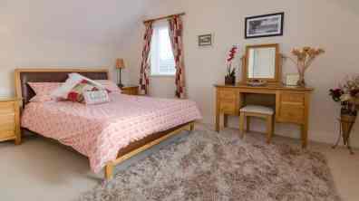 Clearwaters11 - upper floor double bedroom