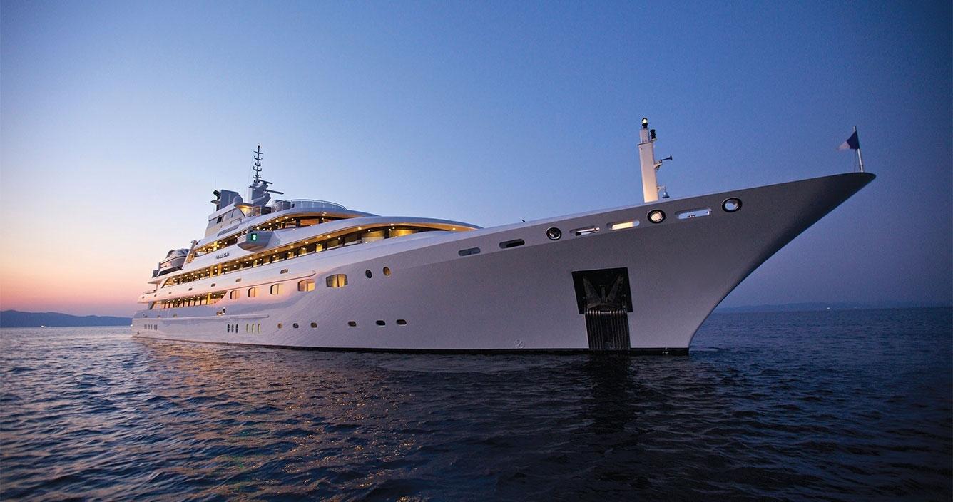 Mega Yacht Mykonos