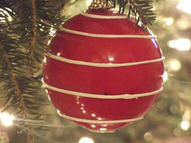 Homemade Christmas Decorating On A Budget... From The
