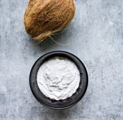 homemade vegan coconut yogurt