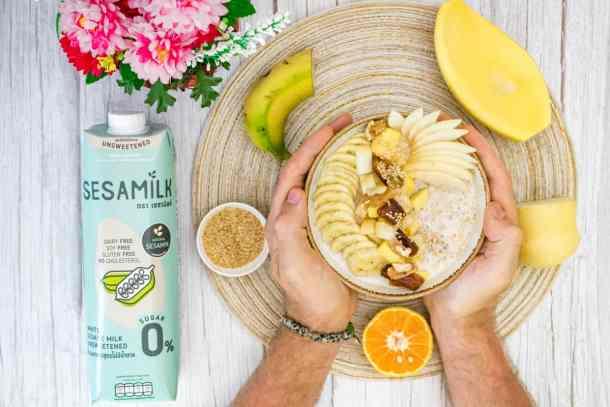 sesame-milk-Bircher-is-served