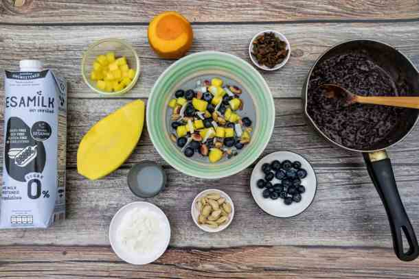 ingredients-laid-out-for-riceberry-pudding