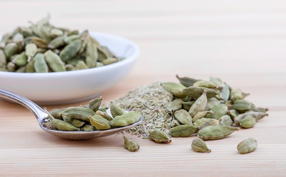 Cardamom warming herbs and spices