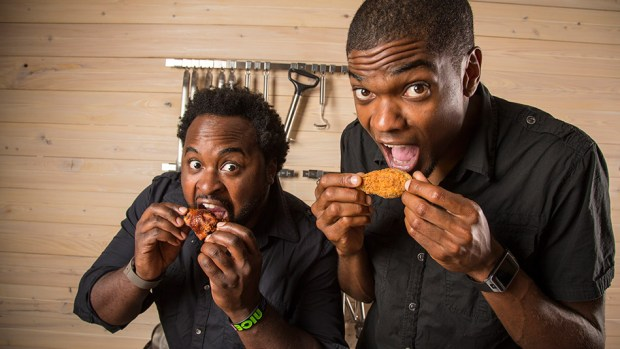 corey-ramone-eating-chicken-949x534