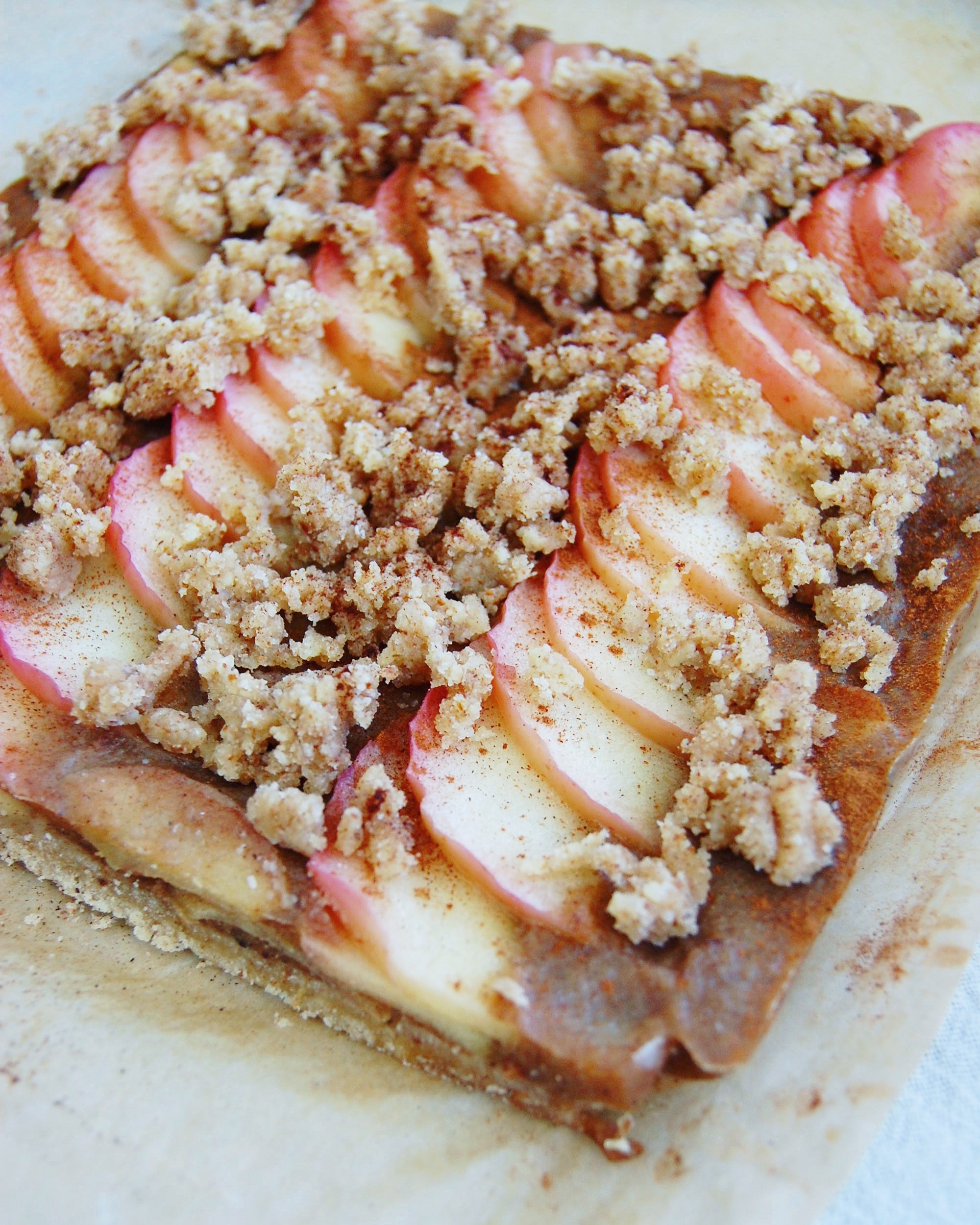 The perfect holiday paleo dessert recipe, Apple Crumble