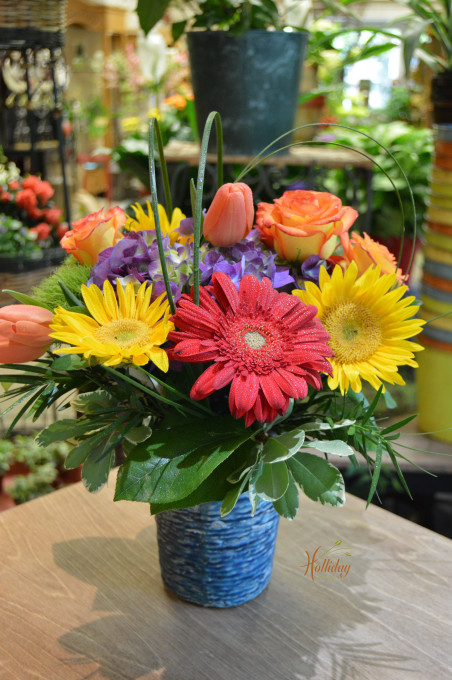 Spring mixed in pottery 32911 holliday flowers events mightylinksfo