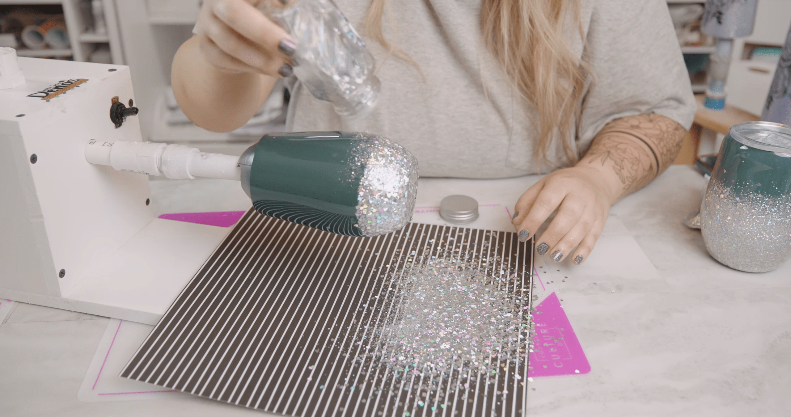 Apply the fine glitter to your ombre tumbler