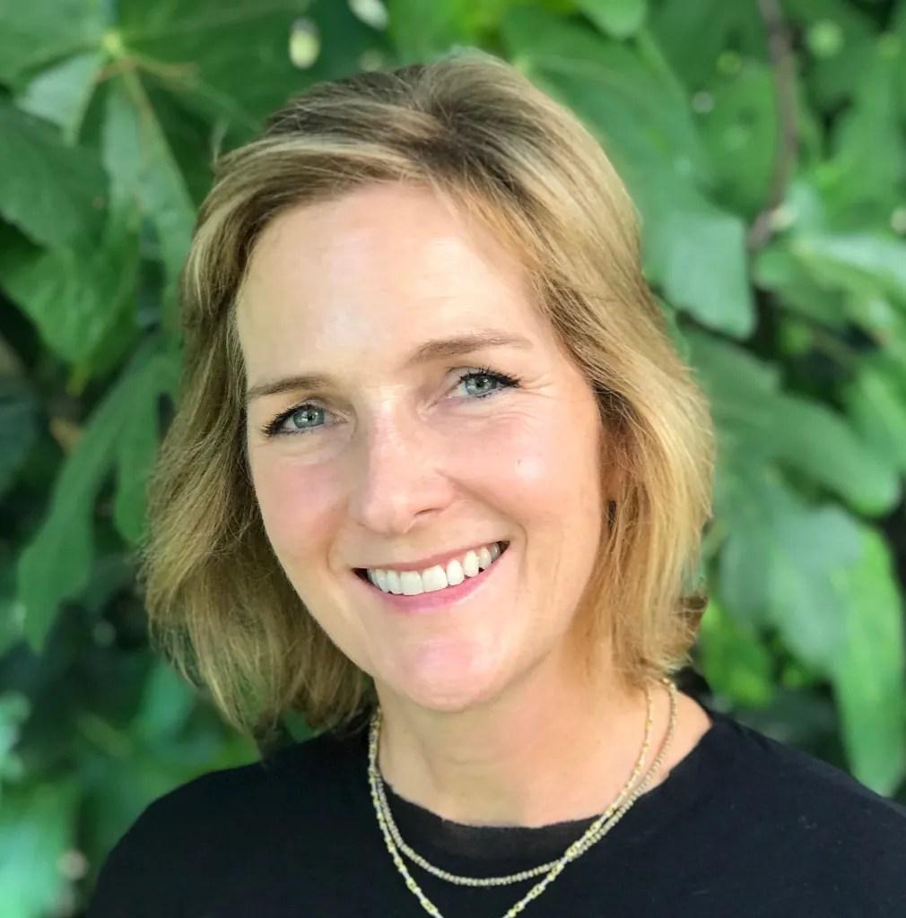 Holly Hubbard Preston, Author