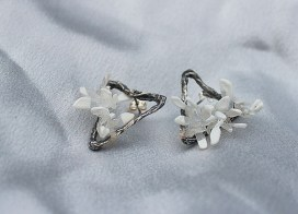 oxidised-silver-textured-triangle-earrings-product-image