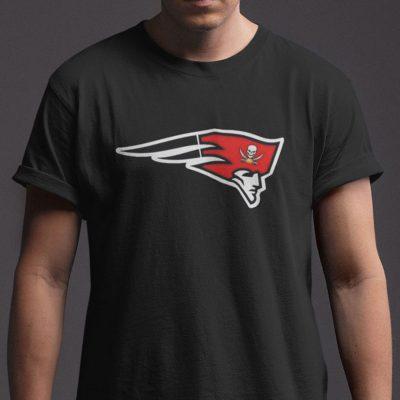 T-Shirt Half Patriots Half Buccaneers, Brandy Goat And Buccaneers