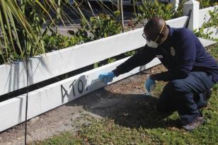 graffiti2 Perry Mason is Hollywood's official 'graffiti buster'