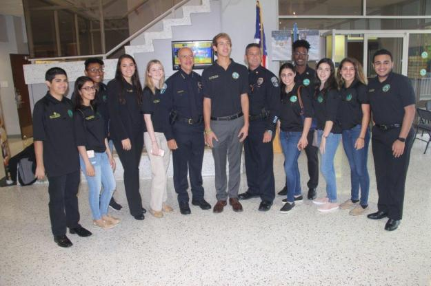 IMG_3932 Hollywood Youth Ambassadors honored for community service at Commission meeting