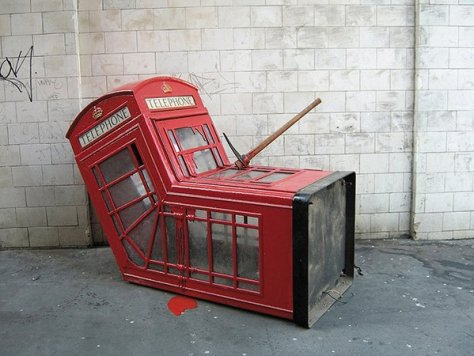art-attack-phone-booth-5__600x0_q85_upscale