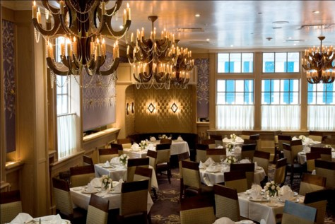new-orleans-historic-restaurant-commanders-palace-dining-room-2