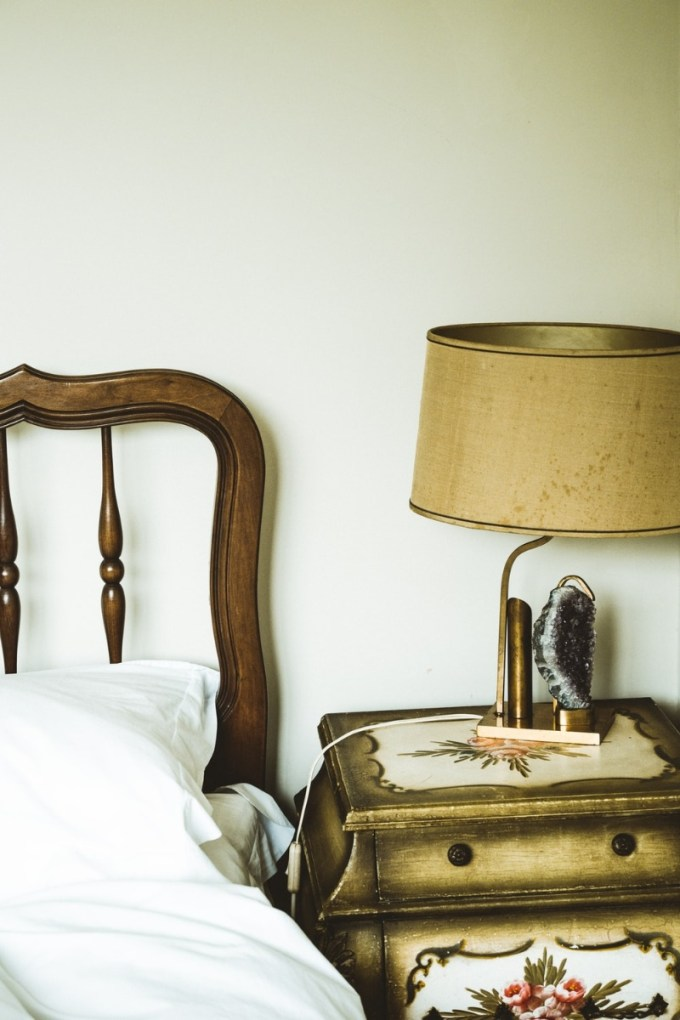 Rustic touch bed Lamp