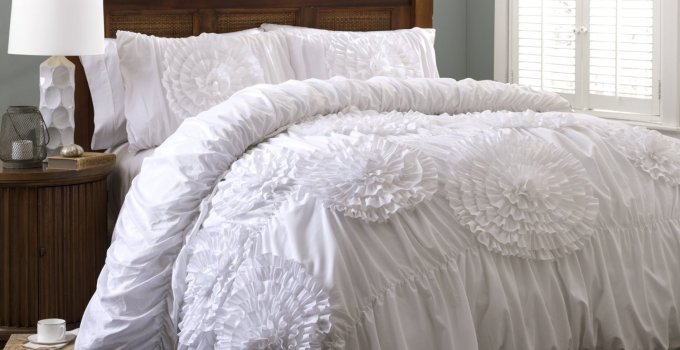 35 Styling Crisp White Bed Ideas for Ultimate Relaxation
