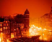 BINNENKIJKEN bij DOKTER TINUS! Voor €3500 per maand mag u maximaal twee jaar in het Amsterdamse appartement van Thom Hoffman wonen