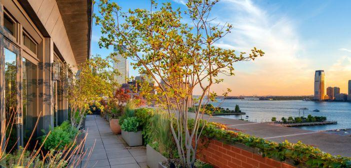 BINNENKIJKEN bij MERYL STREEP die prijs van haar New Yorkse penthouse met 5.5 miljoen euro verlaagd