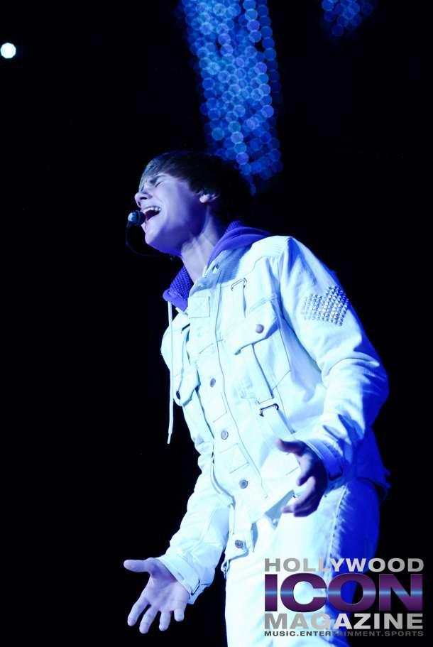 Justin-Bieber-Staples-Center-Los-Angeles-©-JB-Brookman-Photography-Hollywood-Icon-Magazine-39fhim